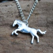 Horse pendant necklace P80